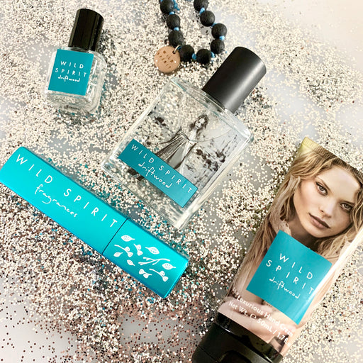 Looking for the perfect gift for your minimalist, beachy bestie? We've got you covered. The Driftwood Lovers Perfume Gift Set gives you Driftwood vibes whenever and wherever you need a little fresh and airy touch-up. With salty ocean notes highlighted by a star jasmine signature enhanced with specialty mint notes, this scent is the epitome of fresh and FABULOUS without even trying