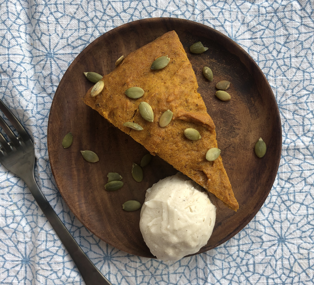 Vegan Chai Pumpkin Cake a la Mode