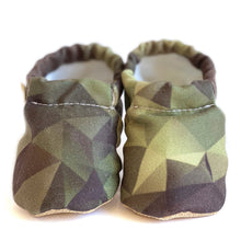 Load image into Gallery viewer, CAMOUFLAGE baby moccasin shoes