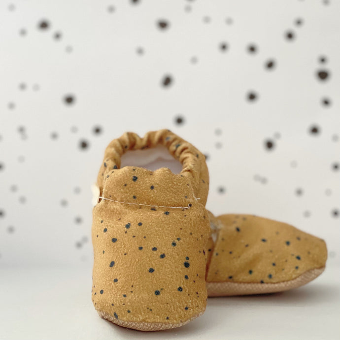 DOTTED baby moccasin shoes
