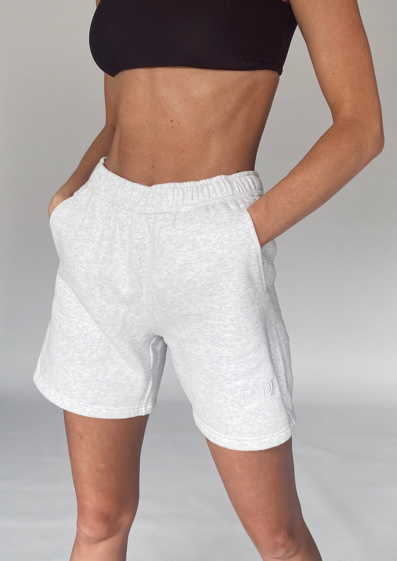 THE CLASSIC SWEAT SHORTS - Fade
