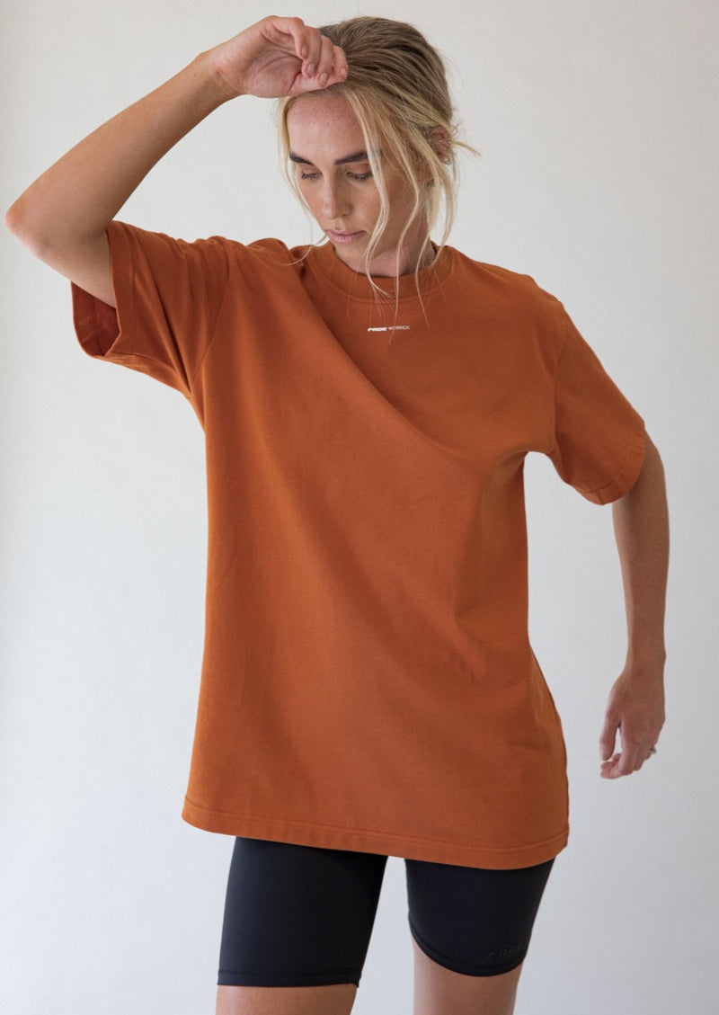 THE WOMEN TEE - RUST