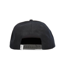 Load image into Gallery viewer, SIGNATURE SNAP BACK BLACK