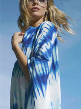 Load image into Gallery viewer, Blue and white blooming loose beach sunscreen shirt