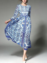 Load image into Gallery viewer, Romantic Blue Flower Print Long Sleeve Round Neck Maxi Dress