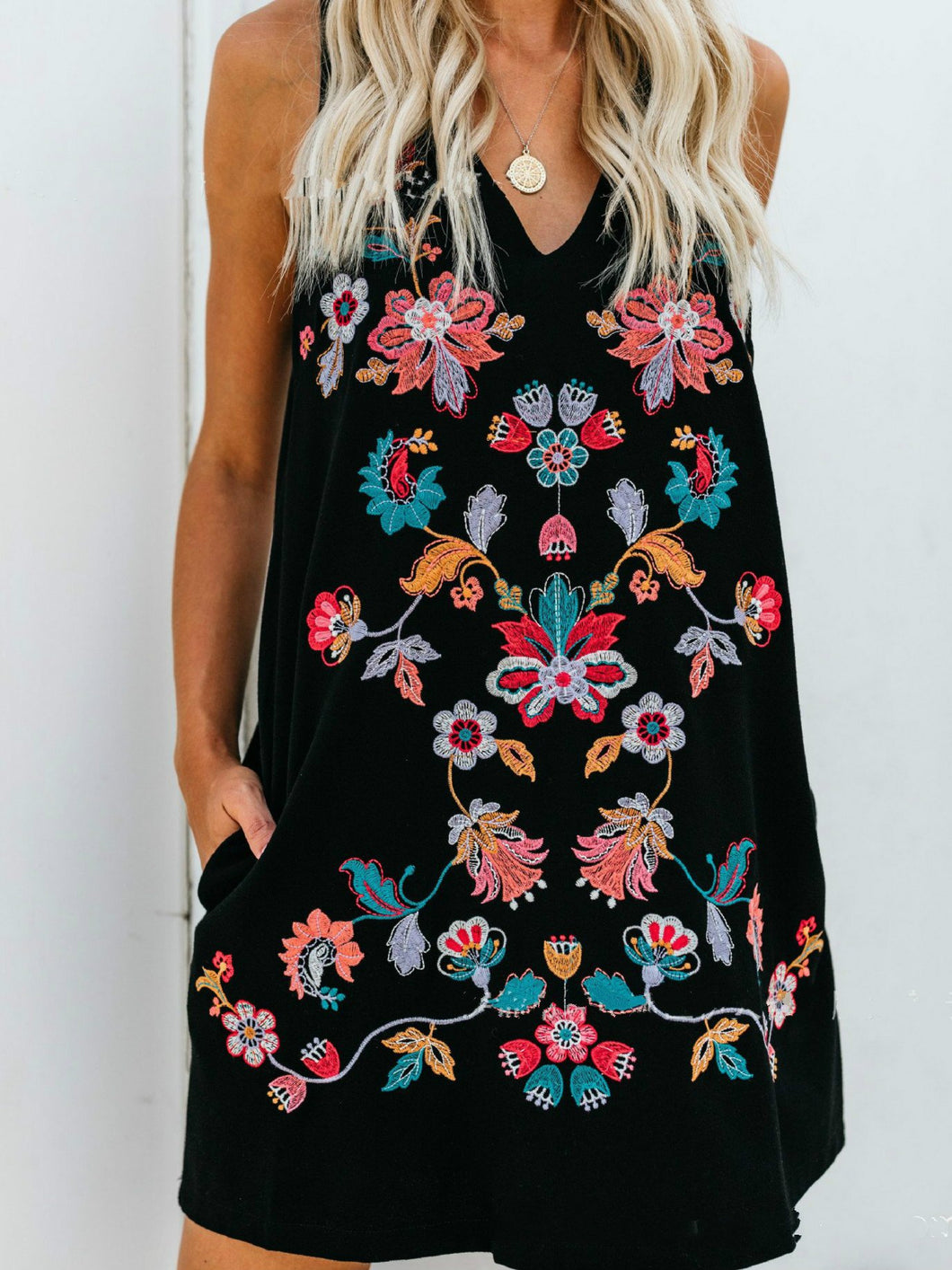 Handmade Embroidered Sleeveless Round Collar A-shaped Dress Dress