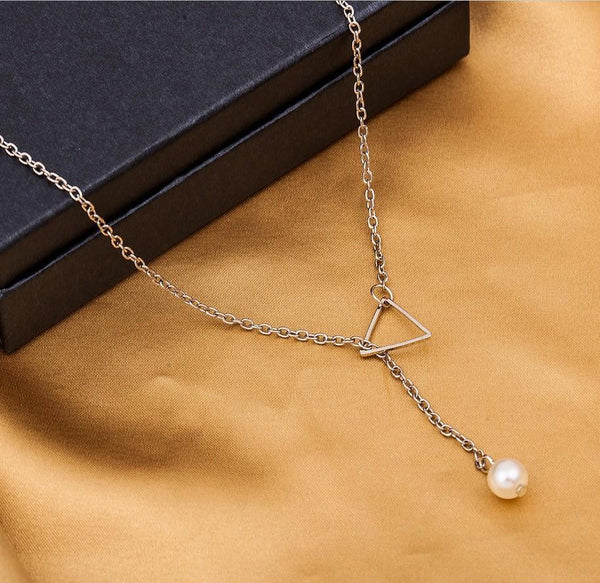 Simple Openwork Triangle Adjustable Pearl Pendant Women's Necklace Bone Chain