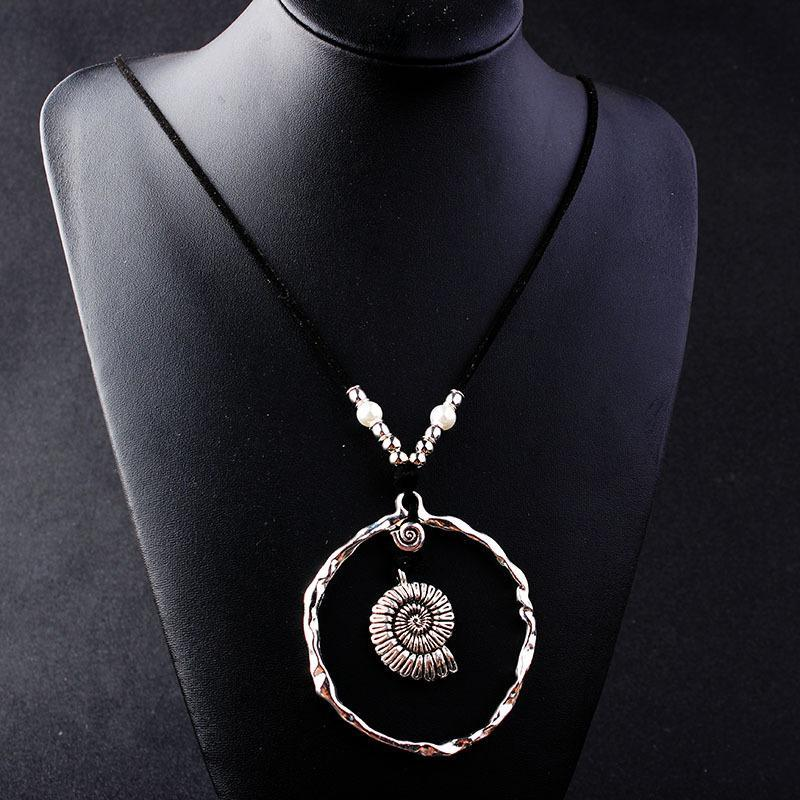 Bohemian Wind Velvet Rope Infinite Ring Large Conch Sweater Chain Shell Leather Ring Necklace