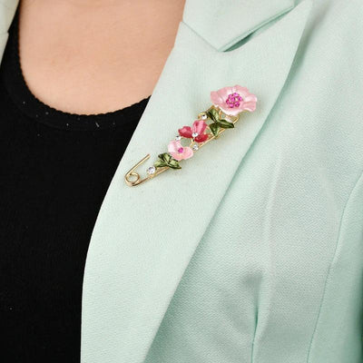 Scarf Pins - Peonie Designs - A lovely safety-pin style brooch decorated with cute floral designs.