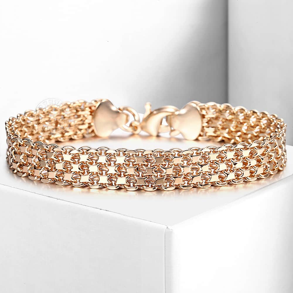 Medea Multi-Layer Rolo Chain Bracelet - A beautiful rose gold chain bracelet made of interlocking strands of rolo chain.
