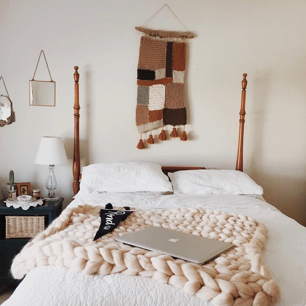 5 Ways To Style Your SarahLouCo. Chunky Knit Throw
