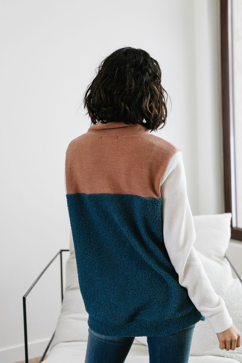 Brown Eyes Blue Pullover