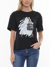 Load image into Gallery viewer, Chel's Pearl & Purse Tee