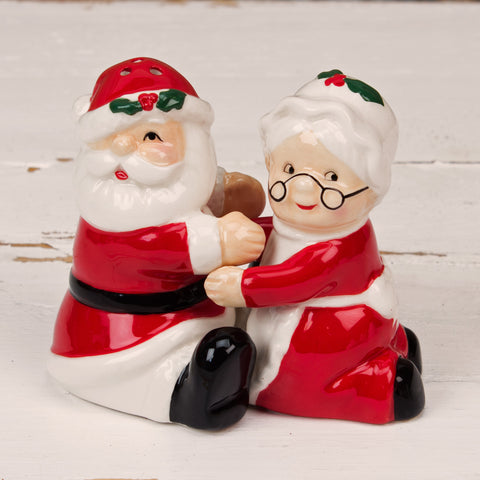 Dolomite Santa Claus and Mrs Claus  Salt & Pepper Pots