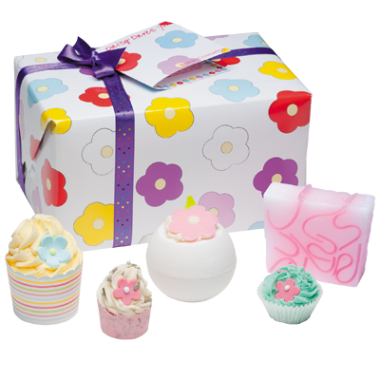 Bomb Cosmetics Daisy Dares You Gift Pack