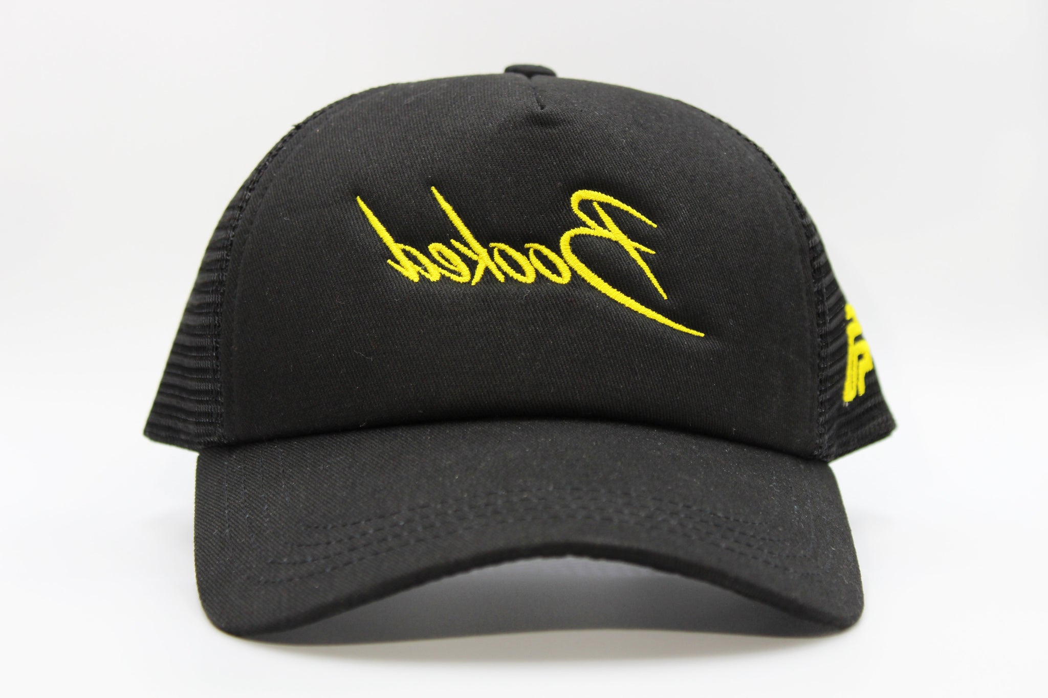 foxerz black cap booked front-side view