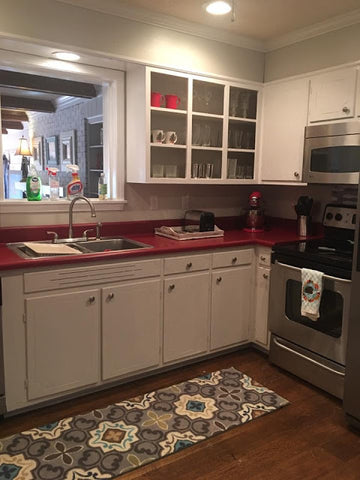 before stunning DIY kitchen makeover with Instant Granite