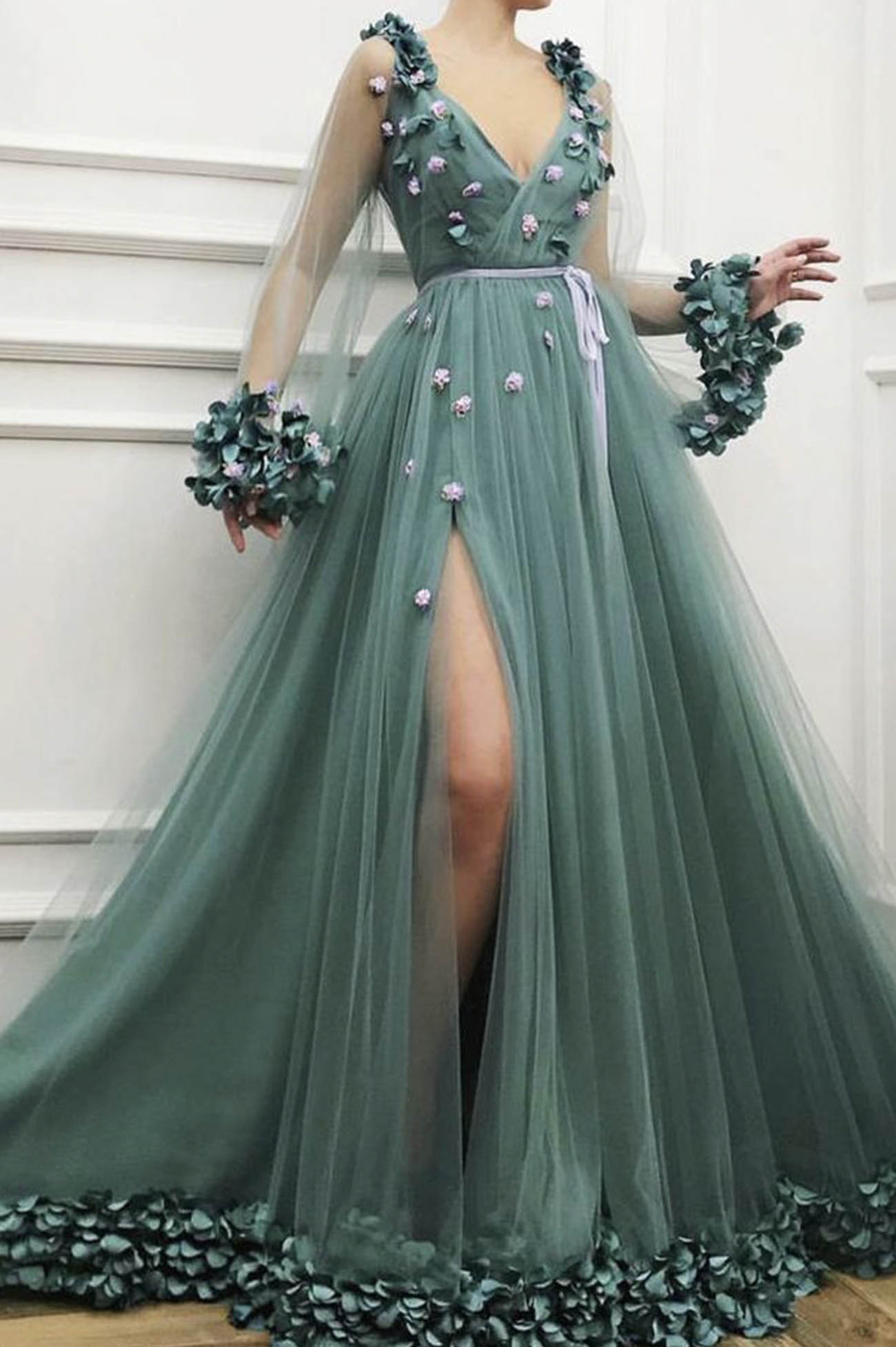 Green tulle appliqué long prom dress v neck evening dress