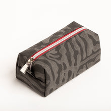 Load image into Gallery viewer, IVY PENCIL CASE, black