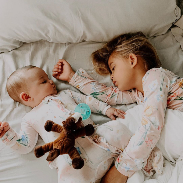 Is Co-Sleeping a Good Idea? The Pros & Cons of Sleeping with your Baby