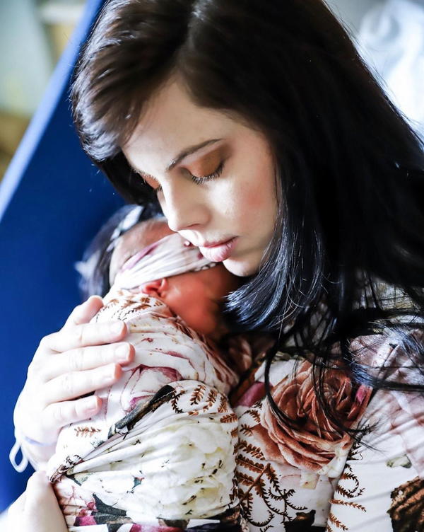 10 Signs of Postpartum Depression Everyone Should Recognize