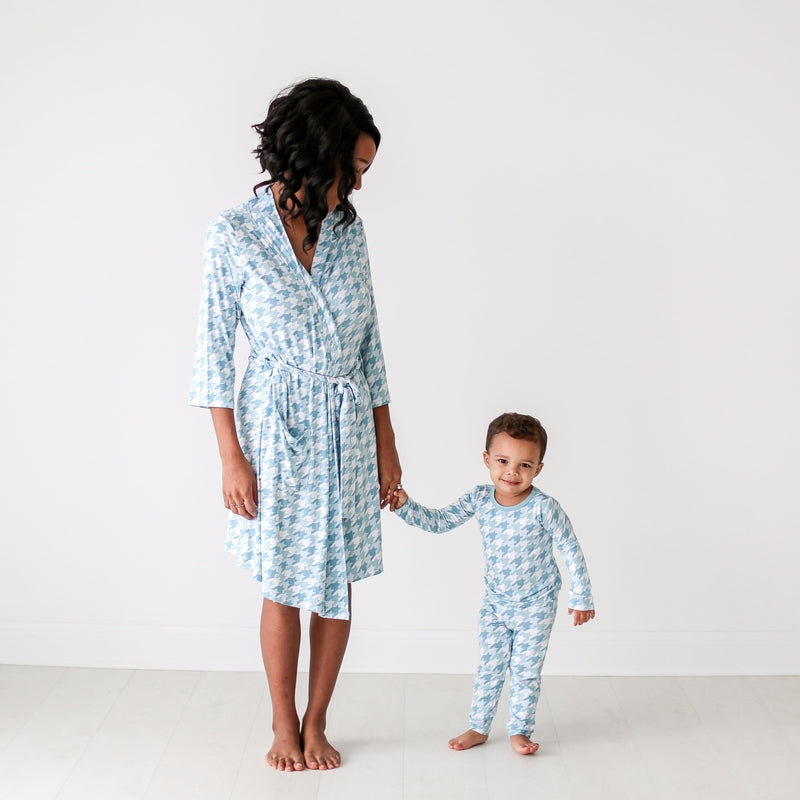 Posh-Peanut-Viscose-Bamboo-Stay-dry-fabric-reliably-chic-and-perfectly-practical-uniquely-designed-of-a-kind mommy robe in teal houndstooth
