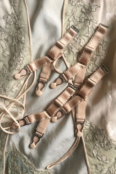 SPLIT Y STRAP ADJUSTABLE replacement detachable suspender garter straps clips with hook for stockings. retro and vintage lingerie by Pip & Pantalaimon. replacement y strap garter clips in biscotti peach beige