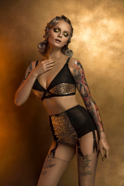 GOLD SEQUIN SUSPENDER GARTER BELT WITH 6 METAL Y-STRAPS. retro and vintage inspired plus size lingerie by pip and pantalaimon