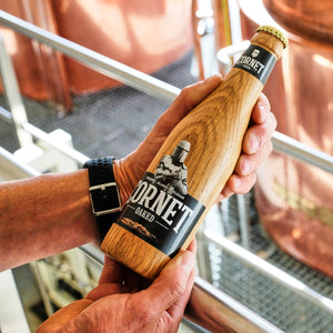 CORNET launches wooden bottle: unprecedented innovation in the beer sector