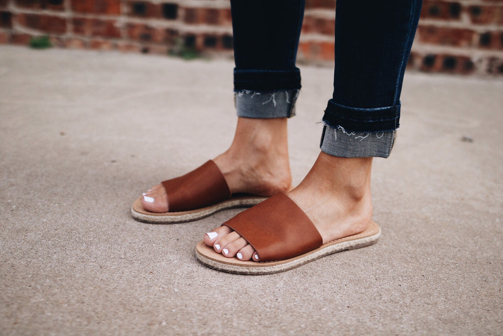 The Hunter Sandal // Chestnut