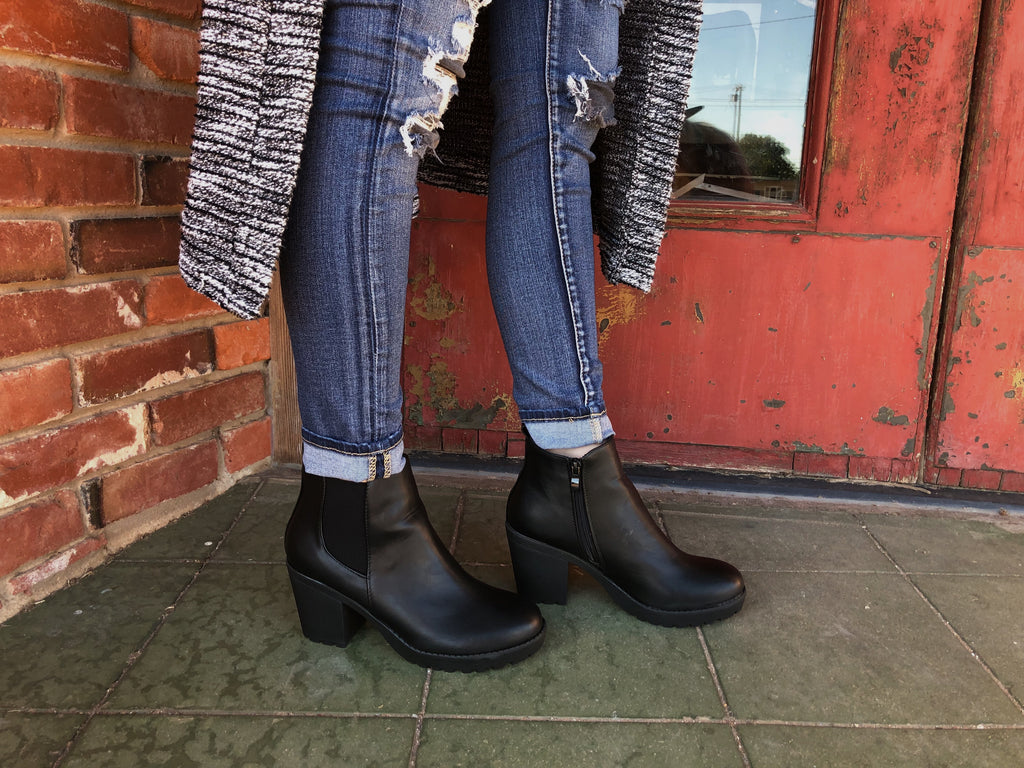 The Stacie Bootie // Black
