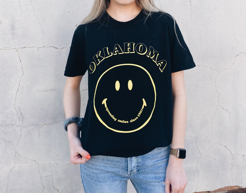Spreading Smiles OKLA Tee // Black