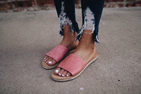 The Hunter Sandal // Mauve