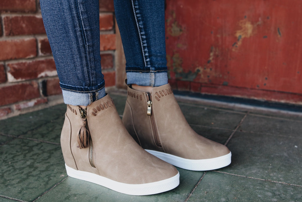 The Taylor Wedge Sneaker // Taupe