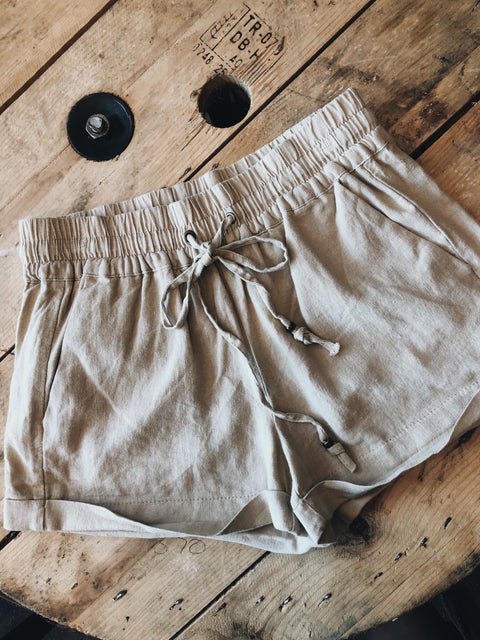 The Laurie Shorts // Khaki