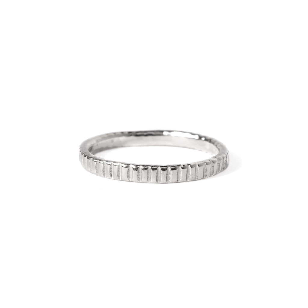 Essential Chiseled Ring in Sterling Silver
