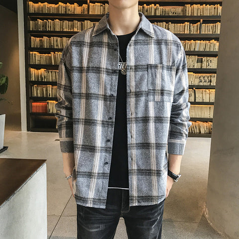 Loose men's long-sleeved plaid shirt