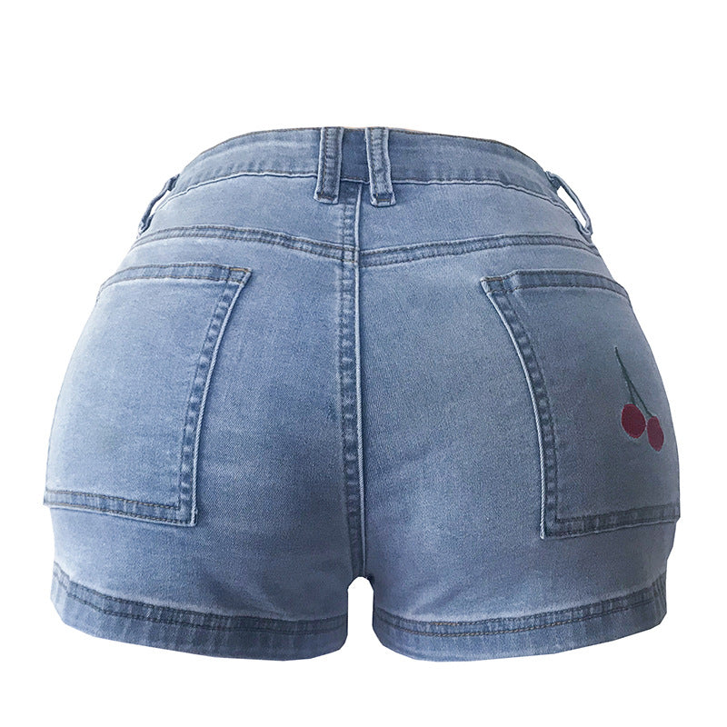 Women's fashionable denim shorts