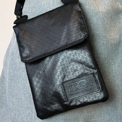 Messenger purse Black