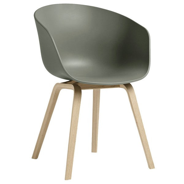 About A Chair AAC 22 stoel - houten poten en multicolor