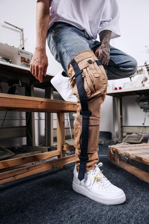 CARGO STRAPPED DENIM