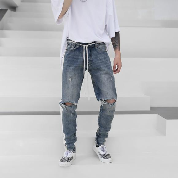 RETRO DISTRESSED DENIM