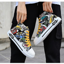 Charger l'image dans la galerie, Graffiti Students Lovers Shoes Recreational Skateboard Shoes for Men and Women Classic Casual Sneakers Old Skool Tenis Masculino
