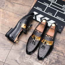 Charger l'image dans la galerie, M-anxiu Hot Sale Men Flat Black Golden Formal Patchwork Shoe PU Leather Casual Men Shoes For Man Dress Shoes 2018 New