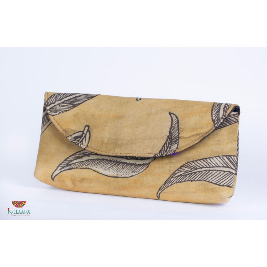 Kalamkari Clutch - Calico