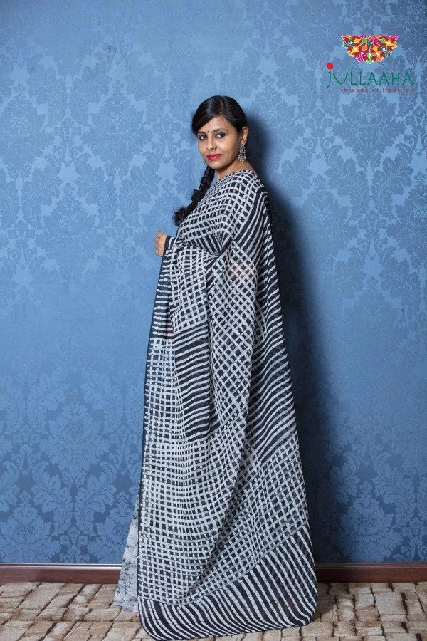 Exquisite Black & White Hand Painted Batik on Georgette -to bring out the timeless look in you
