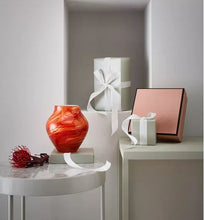 Load image into Gallery viewer, Oranda vase large - Fire 21cm
