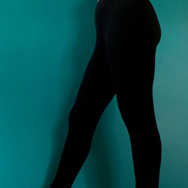 High quality soft jersey knit black leggings made from bamboo. Featuring a wide elastic yoga waistband for added comfort. These have a nice generous fit.