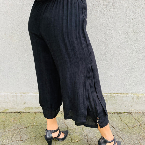 Layered Cropped Pants w/ Button Detailing