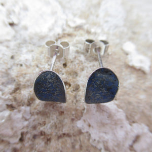 Blue flash of colour earring curved